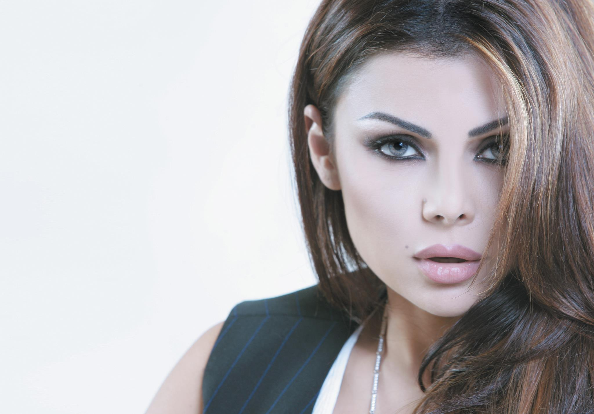 Electro Wallpaper Girl Sexy Hot Haifa Wehbe Picture Wallpaper Gallery Sexy