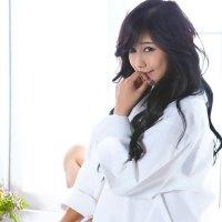 Kim Ha Yul White Shirt