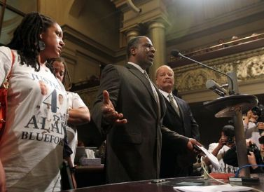 Adam Blueford Oakland City Council re Bratton contract 012213 by Lance Iversen, Chron