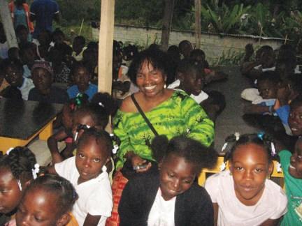 Haiti Wanda with kids at Pou Sol+¬y Leve 0810 by Wanda