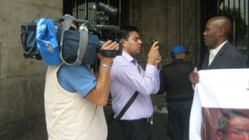 Mexico City Afro-Mexicans' hunger striker Wilner Metelus interviewed by press demands justice for Malcolm Shabazz 070513
