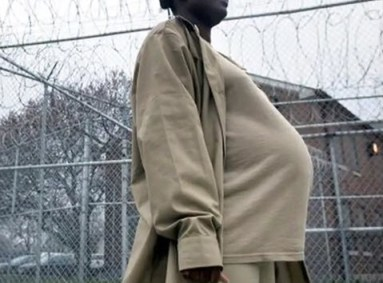 Pregnant woman prisoner
