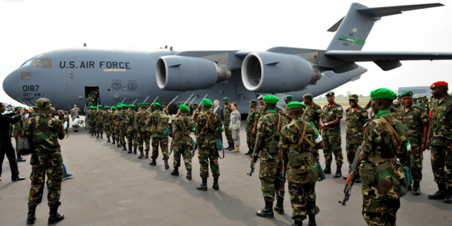 Rwandan UN troops board USAF C-17 cargo carrier to CAR 0114