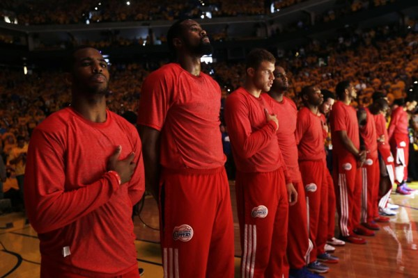 Clippers wear warm-ups inside out silent protest Donald Sterling 042714 Oakland by Marcio Jose Sanchez, AP, web