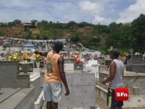 cemitério finados e