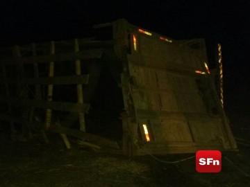 acidente caminhão de boi 2