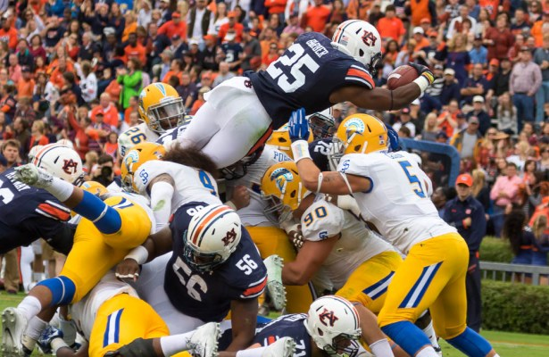 10/3/2015,Eddie Senkbeil # 25 Peyton Barber Goes over the top