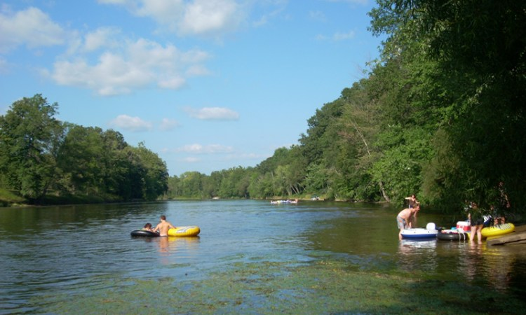 tubing-rivers-hotel-newaygo-county
