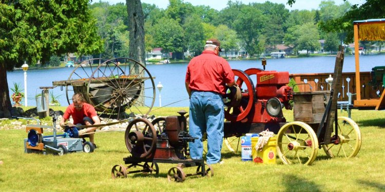 shack-old-engine-show-michigan-11