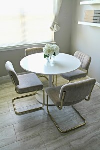 Craigslist Score: Kitchen Table and Chairs - Shannon Claire