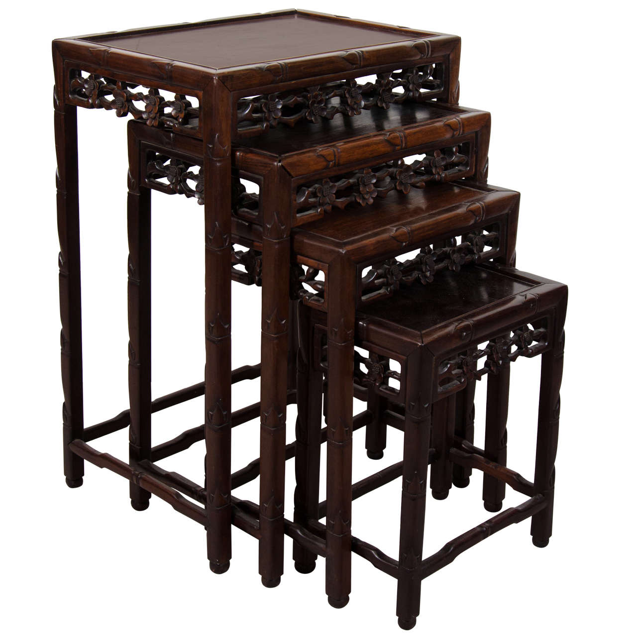 Asian Nesting Tables Early 20th Century Set Of Chinese Rosewood Nesting Tables