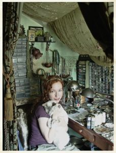 Jen and assistant Galatea in her studio