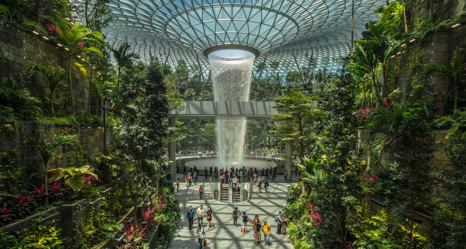 Changi Airport They Fit The World's Largest Indoor Waterfall Inside A