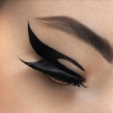 Dior-Velvet-Eyes-eyeliner-adhesive-patches-1