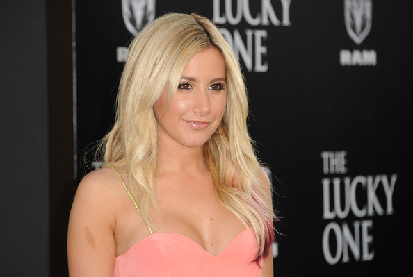ashley tisdale peach dress blue lucky one premier