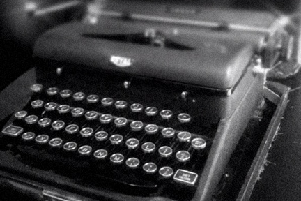 Royal Arrow portable typewriter, circa 1941