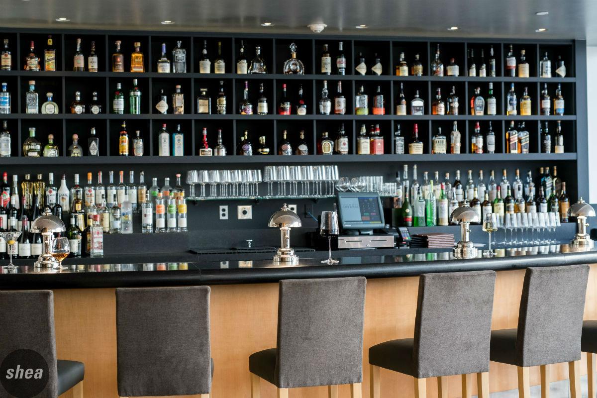 Leatherbys Bar-2018Jan-002-300dpi-cropped