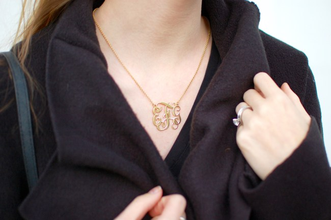 gold monogram curly necklace