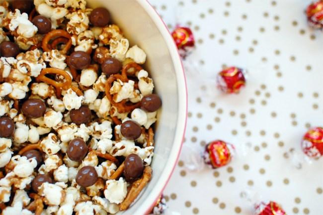 Peanut Butter Pretzel Caramel Corn Recipe