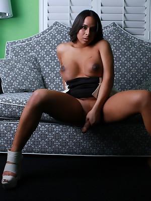 gifsy black shemales booty