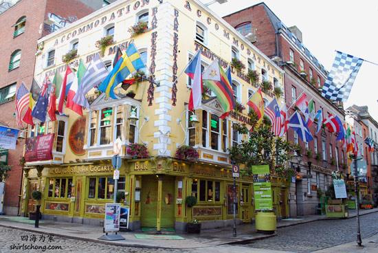 Temple Bar 街内其中一家pub (Dublin, Ireland)