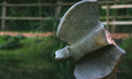 Titel: Eagle Künstler: Mutyanda Stein: Green Opal Höhe: ca. 40 cm