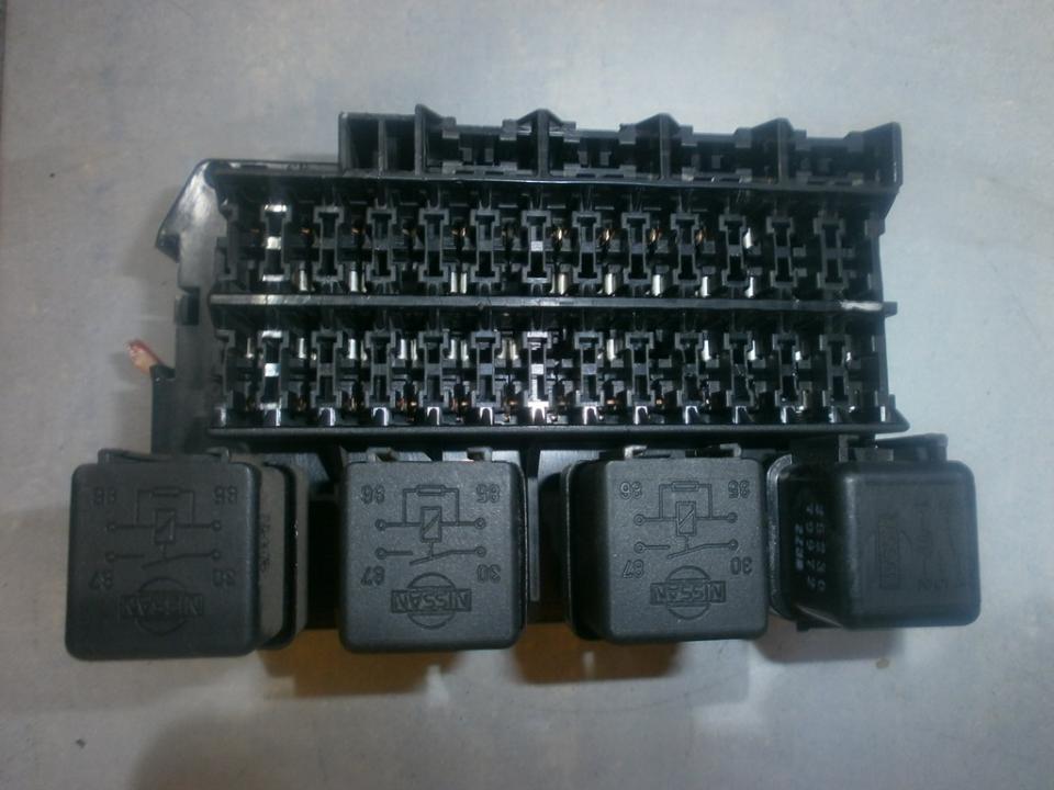 252309f900 Fuse box Nissan Micra 1993 13L 29EUR EIS00024286 Used