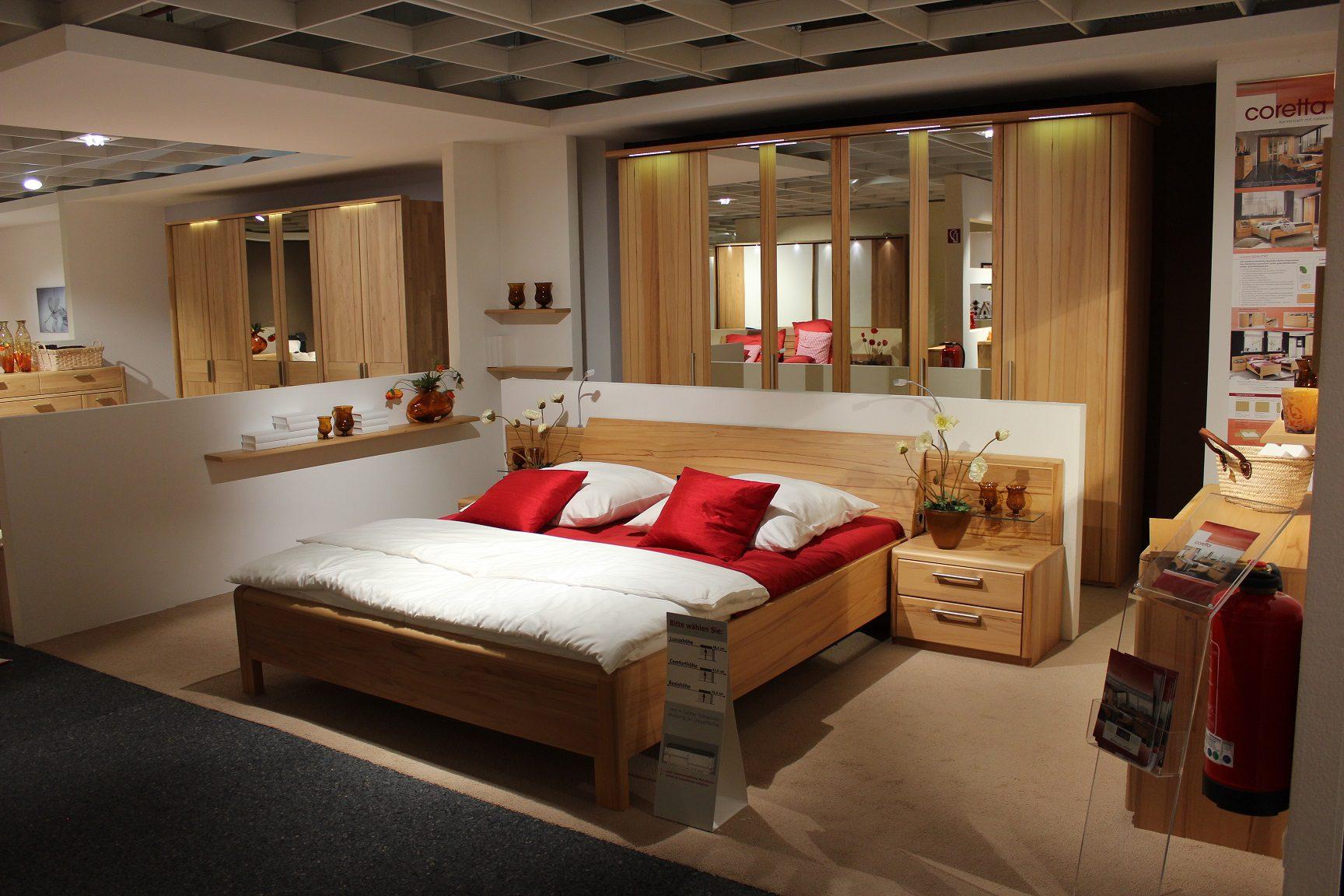 Schlafzimmer Kernbuche | Schlafzimmer Losone Buche Massivholzbett ...