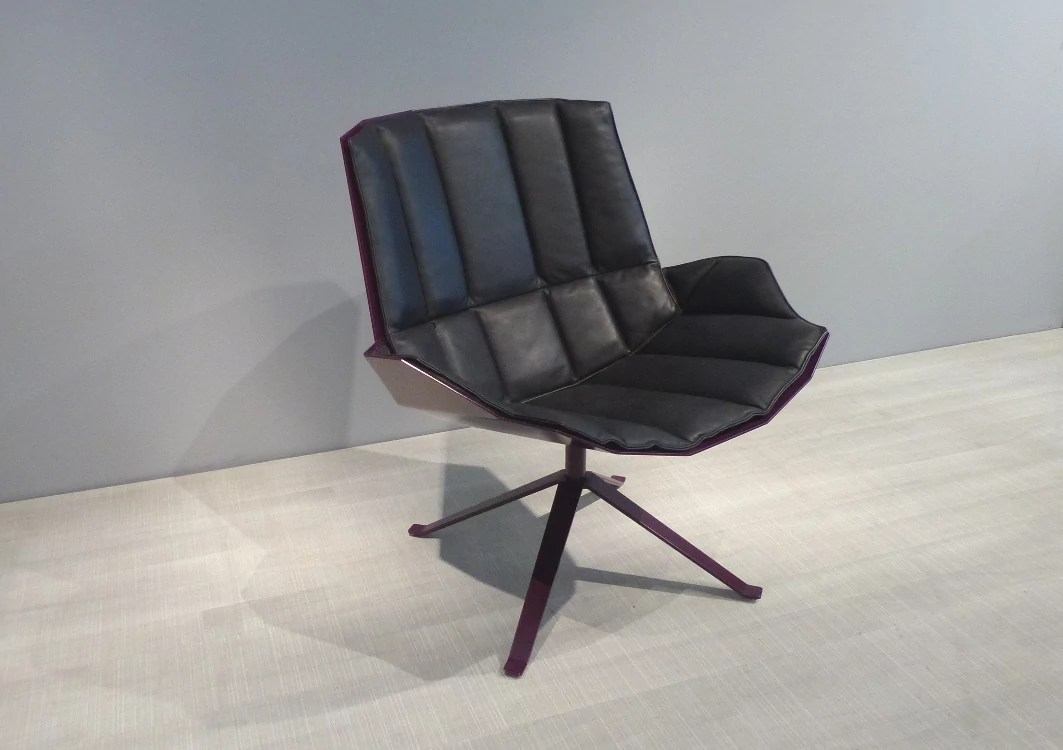 Martini Chair Purple Violet Lounge Chair With Seat Top In Black Leather Shop Mueller Moebel