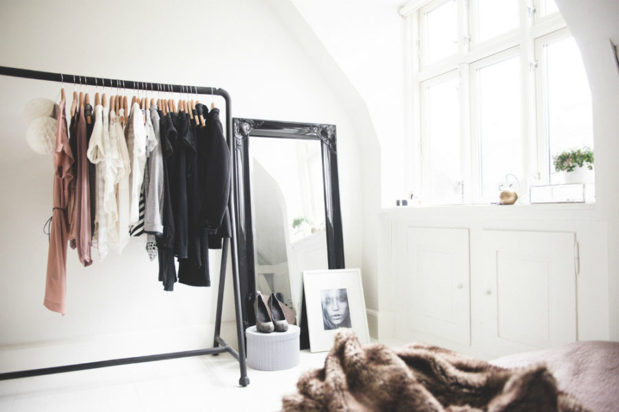 Kleiderablage Für Schlafzimmer 30 Chic And Modern Open Closet Ideas For Displaying Your