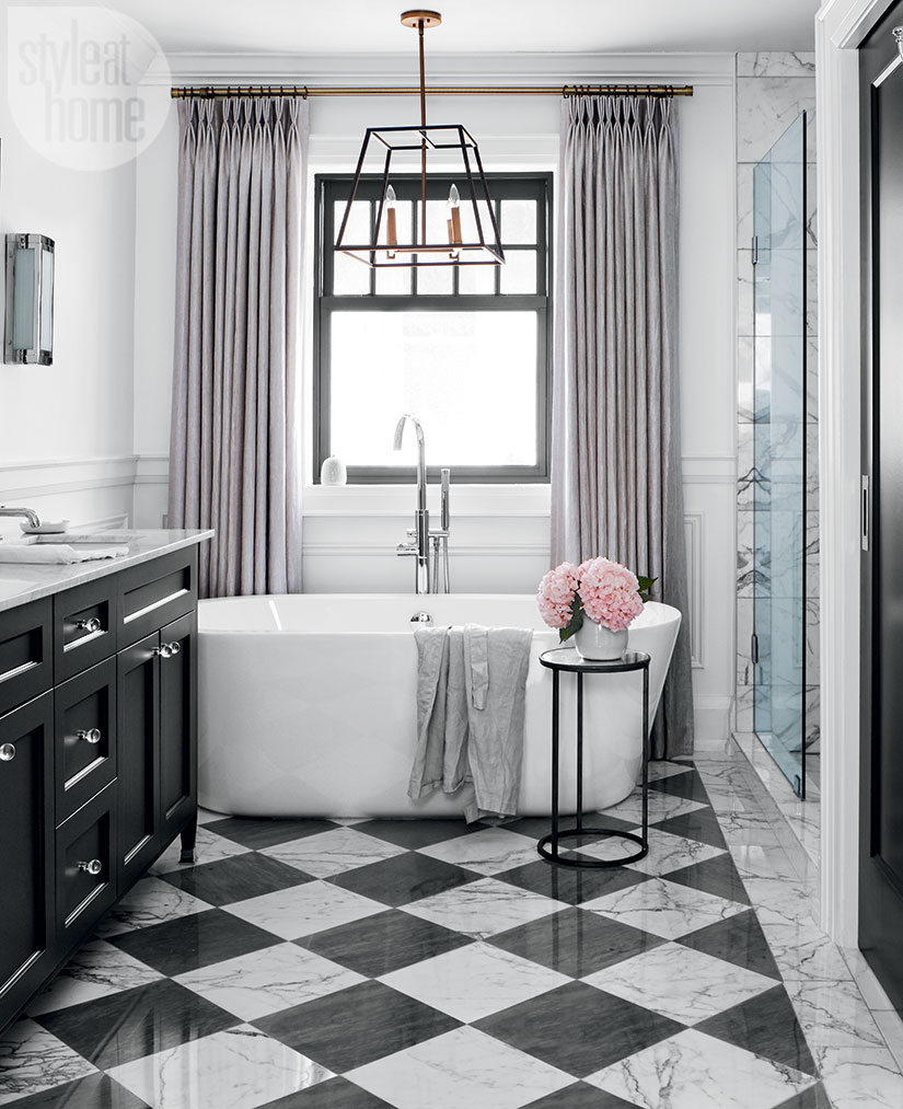 Black And White Marble Checker Checkered Tiles Modern Glam Luxurious Bathroom Ideas Bathtub Claw Vintage Style Shop Room Ideas