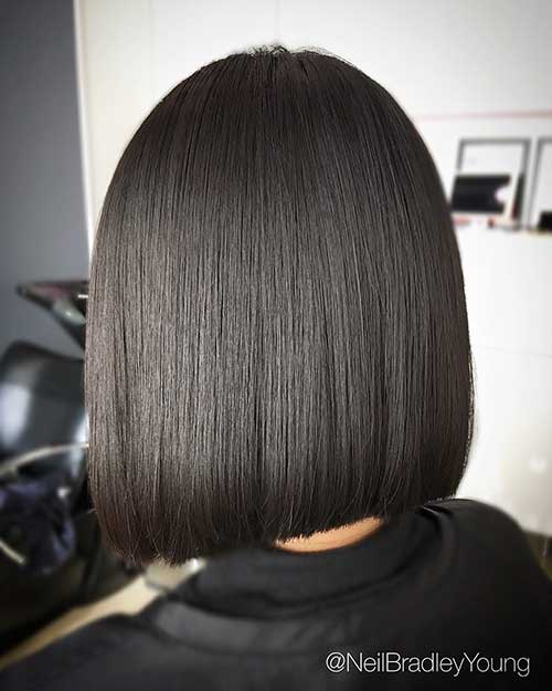 Platinum Hair Black Roots Appealing Short Straight Hairstyle Pics Short Hairstyles