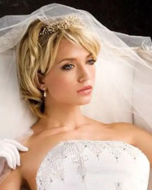 Beautiful Bridal Hairstyles For Short Hair