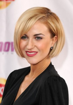 2015 short bob hairstyles for older women