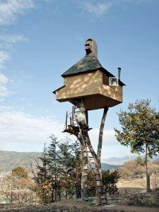 fujimori-terunobu-too-high-tea-house-exterior-portrait