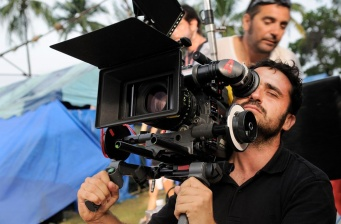 Juan Antonio Bayona to direct new sci-fi film for WB