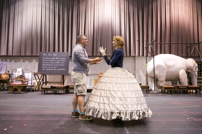 4/18/16 3:10:16 PM --  Lyric Opera of Chicago's studio rehearsal of The King and I in Room 200.  © Todd Rosenberg Photography 2016