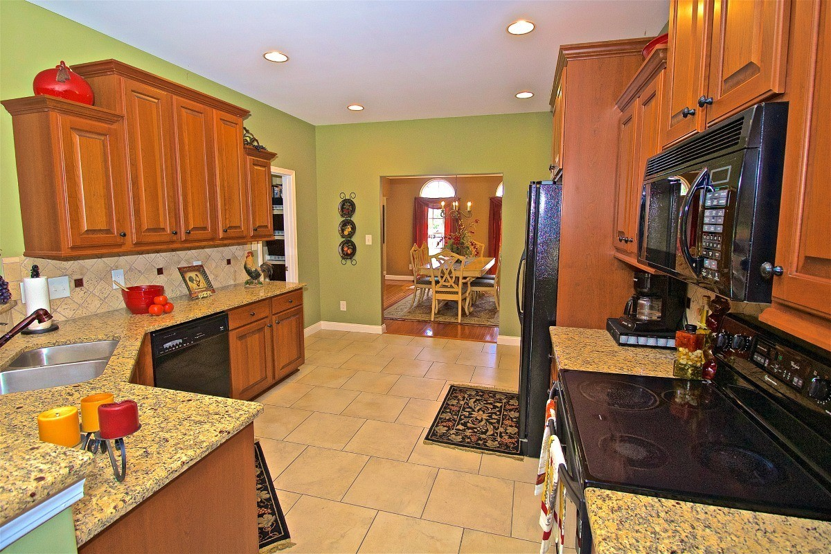 4598 Chanel Court Concord Nc 28025 6975 8 Elegant Kitchen Granite Countertops Charlotte Homes For Sale North Carolina Real Estate Showcase Realty Llc 704 997 3794