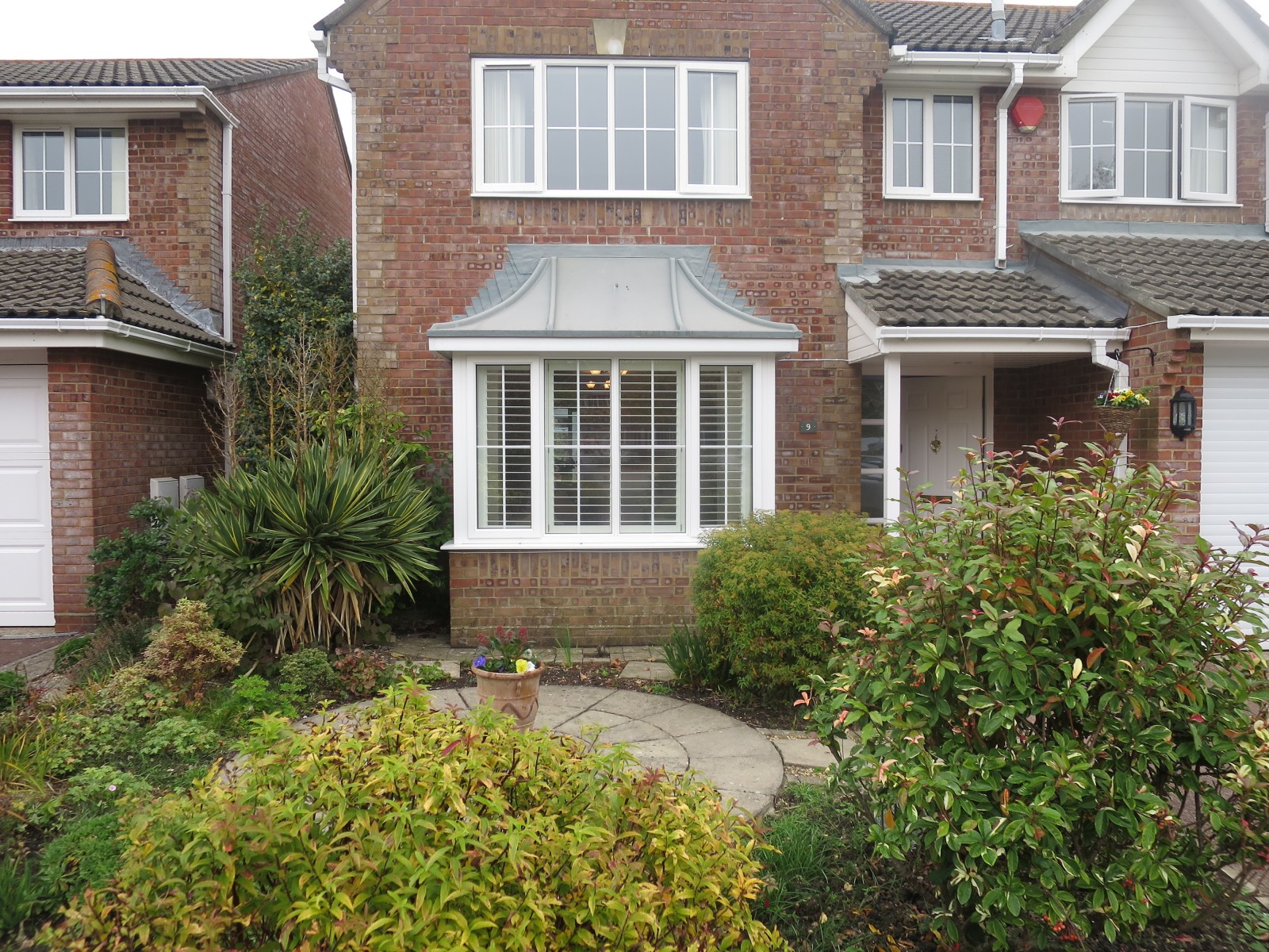 Bay windows exterior view -  Bay Window Shutters Lymington Exterior View Download