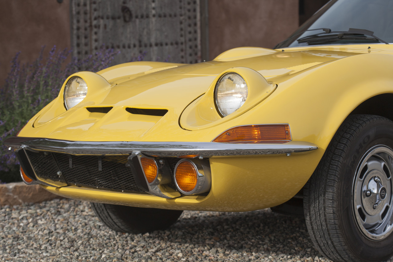 Garage Opel Luxembourg A Gm Opel Gt Drives Like A Phoenix Wsj