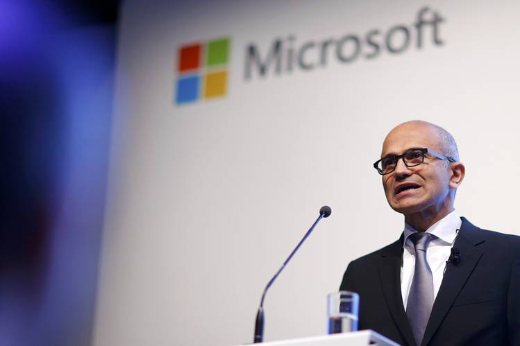 Microsoft Offers EU Customers Option to Store Data in Germany - WSJ