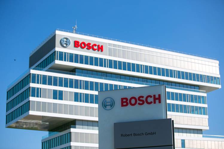Bosch Earmarks $735 Million for Volkswagen-Related Legal Risks - WSJ