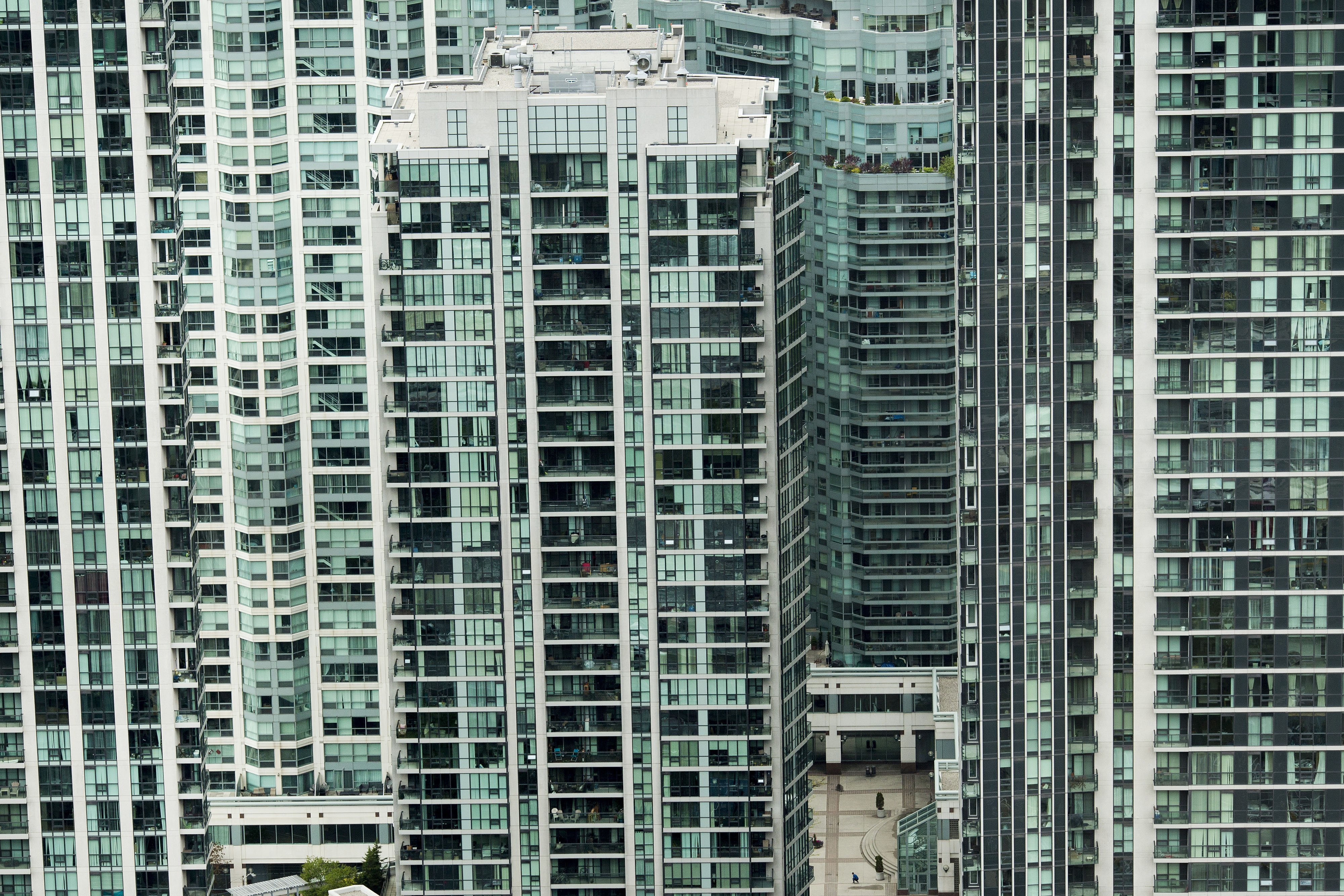 Home Bank Of Canada Bank Of Canada Cites Household Debt Real Estate Prices As
