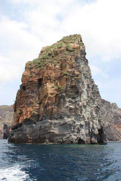 Un Géant de pierre à Vulcano