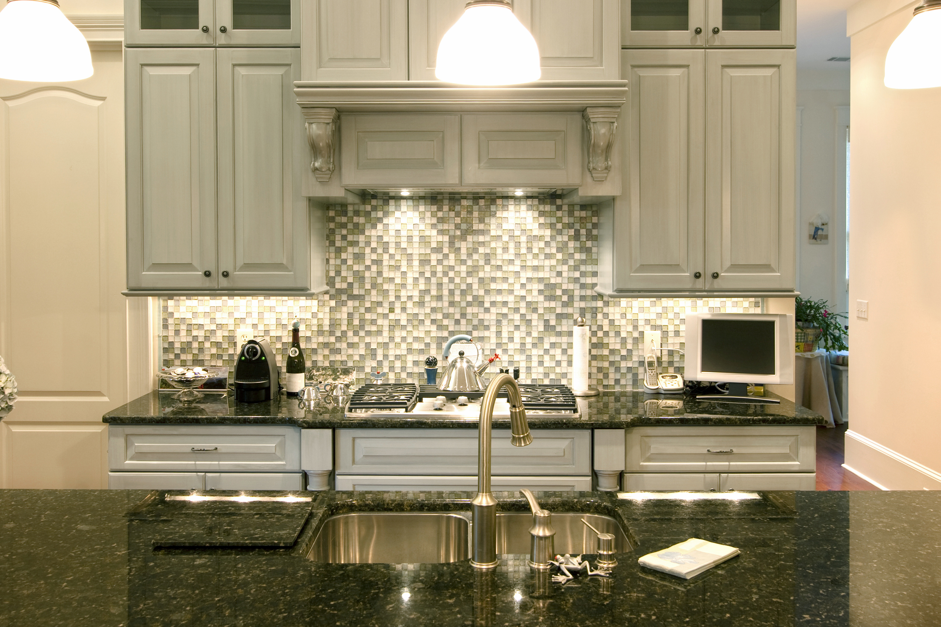 Best Backsplash For White Cabinets And Black Granite The Best Backsplash Ideas For Black Granite Countertops