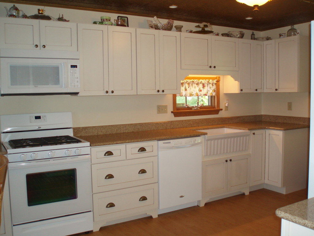 Kitchen Cabinets Home Depot Prices What You Should Know Kraftmaid Products Home And Cabinet