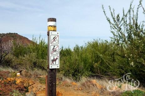 Еще указатели на пешем маршруте Тенерифе