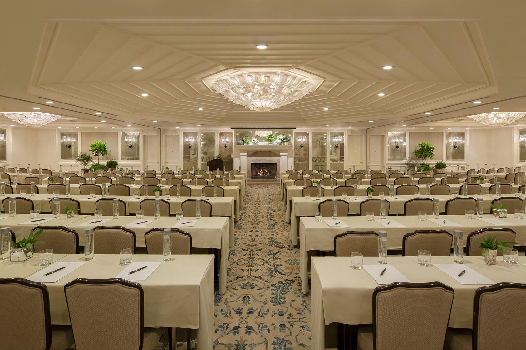 Grand Salon Hotel Profile