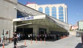 Siirt'te İl Özel İdaresi Ekipleri Kaza Geçirdi 1 Ölü 2 Yaralı
