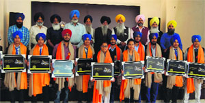 Akal Purakh Ki Fauj organised a function to honour Sikh sportspersons in Amritsar on Tuesday.